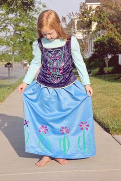 If you and your kid loved Frozen, now you can make Anna's costume with a few basic materials, like Aleene's Fabric Fusion!