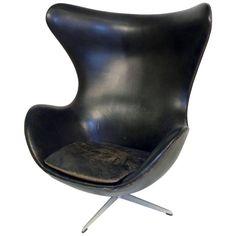 Egg Chair by Arne Jacobsen for Fritz Hansen in Black Leather