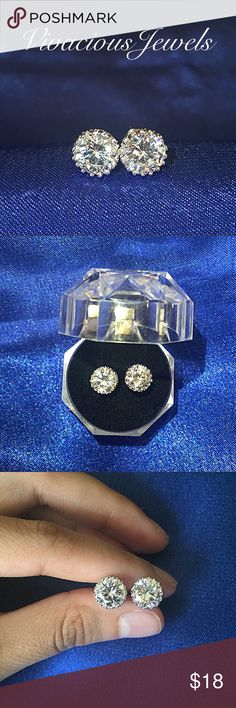 White Gold Plated 8MM CZ Diamond Earrings Brand new Price firm No trades I do bundle Buy 2 items or more for 15% off order White Gold Plated Cubic Zirconia  Stud size: 8MM Comes in gift box Jewelry Earrings