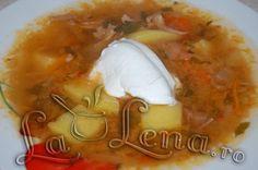 Ciorba ruseasca de varza murata Stew, Homemade Food, Chicken, Soups, Drinks, Board, Recipes, Drinking, Beverages