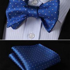 Luxusný hodvábny set - motýlik a vreckovka v modrej farbe s bodkami