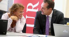 16.9.2013: Heinz-Christian Strache (FPÖ) mit Redakteurin Daniela Kittner