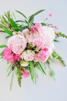 Love this pretty pink peony arrangement.