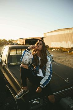 35 Charming Street Style Looks To Update You Wardrobe Now Perfect Fall Look – Latest Casual Fashion Arrivals. 35 Charming Street Style Looks To Update You Wardrobe Now – Perfect Fall Look – Latest Casual Fashion Arrivals.