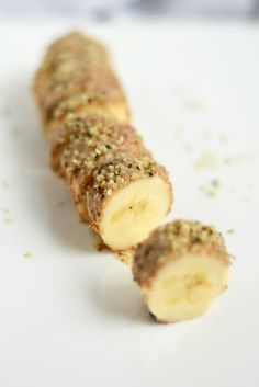 """Almond Butter Hemp Seed Banana Sushi """"a delicious vegan snack packed with 10 grams of protein!"""" Very tasty. A great snack! Sushi Recipes, Raw Food Recipes, Vegetarian Recipes, Cooking Recipes, Healthy Recipes, Vegetarian Lifestyle, Vegan Foods, Vegan Snacks, Healthy Treats"""