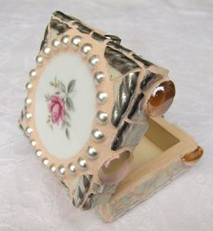 Rosenblüten Mosaik Truhe, Ring Box von Waschbear Designs auf DaWanda.com