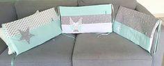 tour de lit bebe vert d'eau/ blanc et gris