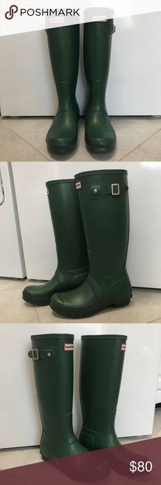 Hunter tall matte green boots tall matte green hunter boots size 7 gently used. Hunter Boots Shoes Winter & Rain Boots