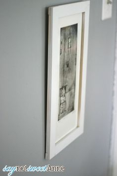 How to build an easy picture frame at Saynotsweetanne.com