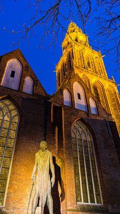 Martinikerk en toren met St Joris en de draak beeldhouwerLudwig Oswald Wenckebach. Picture by RvanDonderen