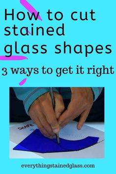 Gain stained glass confidence by learning 3 ways of cutting glass shapes out accurately. Find out about templates, tracing and freehand techniques. Making Stained Glass, Stained Glass Projects, Stained Glass Art, Stained Glass Windows, Mosaic Glass, Fused Glass, How To Do Stained Glass Diy, Mosaic Art, Stained Glass Patterns Free