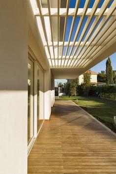 architettura moderna - frangisole villa Bari