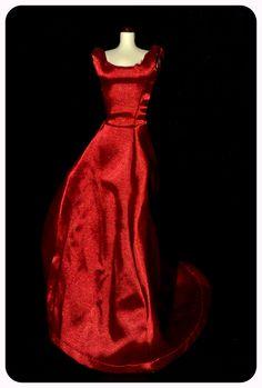 """Diseñado por Catherine Martin, este precioso vestido de satén llevado por Nicole  Kidman, es toda una invitación a la seducción de la película """"Moulin Rouge""""."""