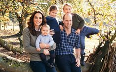 Prince William & Kate Middleton Release Family Christmas Card Photo Prince William and Catherine, Duchess of Cambridge (aka Kate Middleton) just released their official 2018 Christmas card! The royal couple released the card,… William Kate, Kate Middleton Prince William, Prince William And Catherine, Prince Harry And Meghan, Prince Charles, Prins William, Prince Philip, Duke William, Carole Middleton