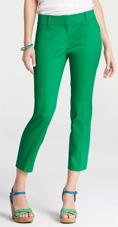 I don't own any colored pants or capris- I've missed the boat on that trend! It would be fun to have some