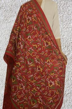 Embroidery On Kurtis, Kurti Embroidery Design, Hand Embroidery, Stylish Dress Designs, Stylish Dresses, Elegant Saree, Silk Dupatta, Kurta Designs, Indian Dresses