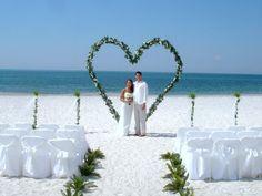 Beach Wedding Arch Ideas | Beach Wedding Tips