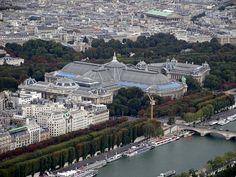 Vue de l'ensemble formé par le Grand et le Petit Palais depuis la tour Eiffel