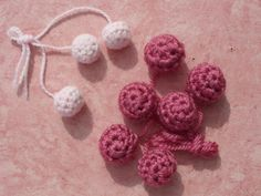 Free: Crochet Ball Buttons pattern by Elizabeth Cranmer