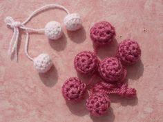 Free: Crochet Ball Buttons pattern by Elizabeth Cranmer