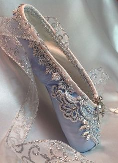 pointe shoes Raindrops and Roses, to the little Sydney who always wanted a quot;Real pair of ballerina shoes. Princess Aesthetic, Blue Aesthetic, Ballet Costumes, Dance Costumes, Ballerina Costume, Pointe Shoes, Dance Shoes, Toe Shoes, Vintage Accessoires