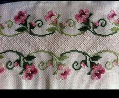 Lovely floral/roses cross stitch embroidered tablecloth in white linen from Sweden Cross Stitch Tree, Just Cross Stitch, Cross Stitch Borders, Cross Stitch Flowers, Cross Stitch Designs, Cross Stitching, Cross Stitch Embroidery, Cross Stitch Patterns, Silk Ribbon Embroidery