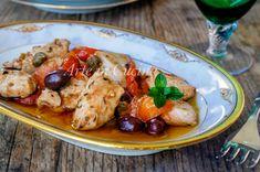 Bocconcini di tacchino alla mediterranea, secondo con carne bianca, facile, ottimo sia a pranzo che cena, secondo con olive e capperi, con pomodorini, saporito