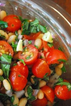 Tomato and White Bean Salad Healthy, filling, tasty, and easy to chew. - Tomato and White Bean Salad Yummy Recipes, Fun Easy Recipes, Vegetarian Recipes, Cooking Recipes, Yummy Food, Tasty, Healthy Recipes, Vegetarian Barbecue, Barbecue Recipes