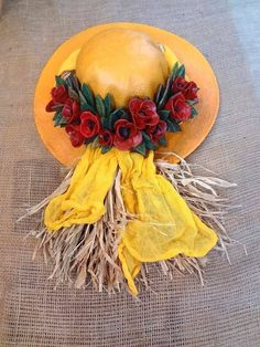 . Crafts To Make, Diy Crafts, Yellow Cottage, Fimo Clay, Ceramic Flowers, Clay Projects, Garden Art, Decoupage, Pottery