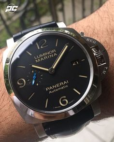 Hands on with the new #Panerai PAM1312. This is the newer version of the PAM312 featuring the slimmer Luminor 1950's case, blue sub second dial, new movement, and more. Video reviews via our SnapChat...