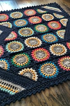 Crochet Wildflower Blanket Pattern @Craftsy