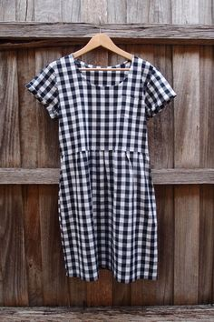 Gingham summer dress by Diane, using the Grainline Scout Tee as a basis for the top section, and the Sew Caroline Out & About Dress as a basis for the skirt (with side pockets).