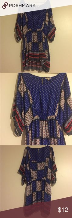 """American eagle patchwork dress Indie patchwork dress with keyhole button on the back. Excellent condition made of viscose. Sleeves drop to the elbows. Great to pair with wedges or boots. Armpit to armpit about 19"""" and length top of shoulder to hem about 36"""" American Eagle Outfitters Dresses"""
