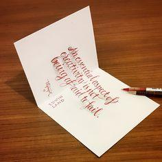 平面に見えないカリグラフィー。インクの発色のきれいさとペン、シャープペンシルの技がすごい。