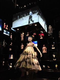 Alexander McQueen: Savage Beauty at London's V&A museum | Cabinet of Curiosities Gallery.