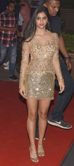 Bollywood superstar Shah Rukh Khan s daughter Suhana Khan shone in a sheer net gold dress at mommy Gauri Khan s Halloween bash in Mumbai Indian Bollywood Actress, Bollywood Actress Hot Photos, Bollywood Girls, Beautiful Bollywood Actress, Bollywood Celebrities, Bollywood Fashion, Indian Actresses, Bollywood Saree, Bollywood Actors