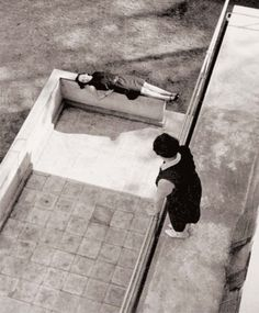 Laszlo Moholy-Nagy    (Bácsborsard, 1895 - Chicago, 1946)    Fotógrafo y pintor húngaro    Desseau, 1926