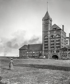 "Chicago circa 1907. ""Illinois Central Railway station."" Photo by Hans Behm for Detroit Publishing Co."