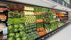 Food in the nude - NZ ditching plastic packaging of fruit and vegetables in supermarkets - Alberton Record Fresco, Plastic Packaging, Easy Healthy Dinners, Pinterest Recipes, Fruits And Vegetables, Superfood, Compost, New Zealand, Asparagus
