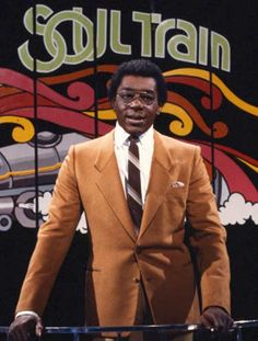 cewax aime les vêtements hommes ethniques, Afro tendance, Ethno tribal Men's fashion, african prints fashion - (NEFER HERITAGE) Don CORNELIUS is the instigator of the most creative TV show of the to the present day, with the famous SOUL TRAIN program. 1970s Tv Shows, Old Tv Shows, Soul Music, Music Tv, Dance Music, I Love Music, Soul Train, Soul Funk, Afro
