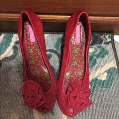 Suede flats small Open toe with cute rose never worn A must have Betsey Johnson Shoes Flats & Loafers
