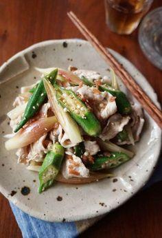 オクラたっぷり!梅風味の豚しゃぶサラダ by 楠みどり 「写真がきれい」×「つくりやすい」×「美味しい」お料理と出会えるレシピサイト「Nadia | ナディア」プロの料理を無料で検索。実用的な節約簡単レシピからおもてなしレシピまで。有名レシピブロガーの料理動画も満載!お気に入りのレシピが保存できるSNS。 Healthy Diet Recipes, Pork Recipes, Asian Recipes, Cooking Recipes, Ethnic Recipes, Vegetable Sides, Vegetable Recipes, Japanese Dinner, Japanese Food