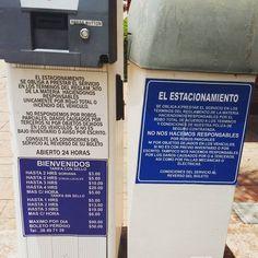 Advertencias en el estacionamiento #SXTNletrero by Sra. Sexton (Mexico June 2016)
