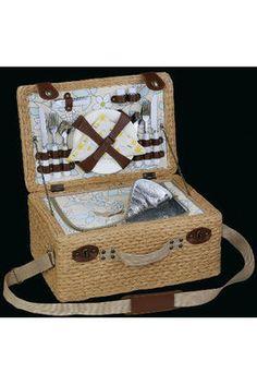 die besten 25 picknickkorb 4 personen ideen auf pinterest wintersocken picknickkorb 2. Black Bedroom Furniture Sets. Home Design Ideas