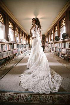 Bridal Portraits | Wedding Dress | PHOTO SOURCE • CANDACE JEFFERY PHOTOGRAPHY
