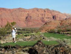 ¿Te gustan los desafíos que en el #golf se presentan? Pues en #LasVegas podrás disfrutar de una de las #canchasdegolf más imponentes de norteamérica.