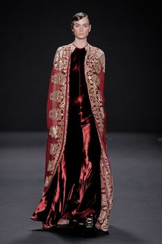 Naeem Khan Fall 2013. Clearly inspired by the Byzantine Empire. Model or Orthodox Priest?