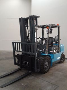 heavy equipment: Dl40 Forklift BUY IT NOW ONLY: $24000.0