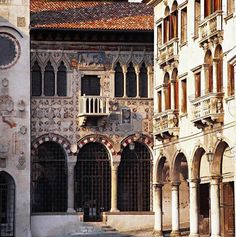 Vittorio Veneto Museo Cenedese a Serravalle - Places To Travel, Places To Visit, Treviso Italy, Padua Italy, Villas In Italy, Building Art, Palace Hotel, Like A Local, Verona