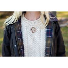 Find images and videos about preppy, monogram and kelly in the city on We Heart It - the app to get lost in what you love. Preppy Mode, Preppy Style, Style Me, Preppy Fall, Preppy Outfits, Winter Outfits, Cute Outfits, Winter Clothes, Estilo Preppy